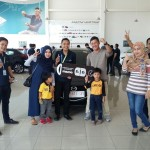 Foto Penyerahan Unit 8 Sales Marketing Mobil Dealer Mazda Makassar Syahrir