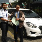 Foto Penyerahan Unit 9 Sales Marketing Mobil Dealer Datsun Kediri Sandi
