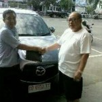 Foto Penyerahan Unit 9 Sales Marketing Mobil Dealer Mazda Makassar Syahrir