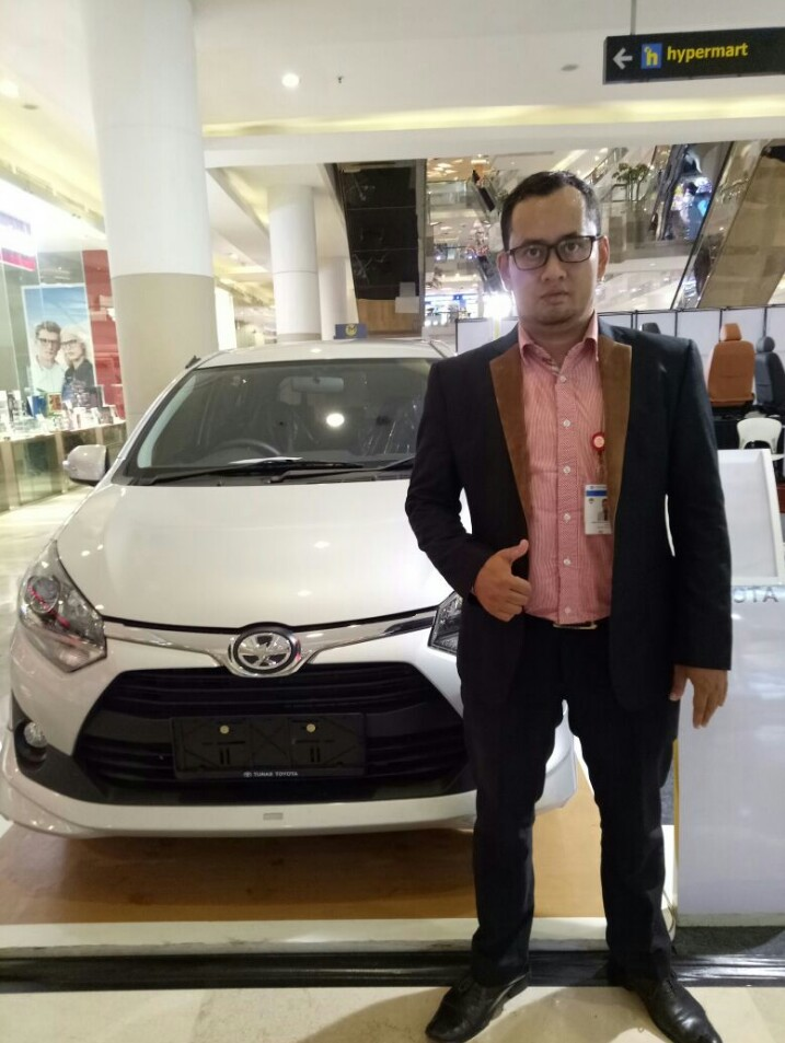 Sales Marketing Mobil Dealer Toyota Joe Hadi