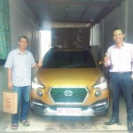 Foto Penyerahan Unit 3 Sales Marketing Mobil Dealer Datsun Dimas