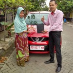 Foto Penyerahan Unit 6 Sales Marketing Mobil Dealer Datsun Dimas