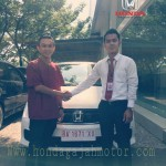 Foto Penyerahan Unit 10 Sales Marketing Mobil Dealer Honda Padang Iwan