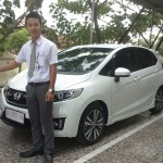 Foto Penyerahan Unit 4 Sales Marketing Dealer Mobil Honda Padang Sumatera Barat Ilwan Trio