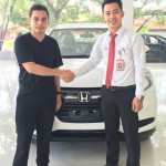 Foto Penyerahan Unit 9 Sales Marketing Mobil Dealer Honda Padang Iwan
