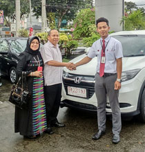 Sales Marketing Dealer Mobil Honda Padang Sumatera Barat ILWAN TRIO