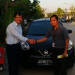 Foto Penyerahan Unit 3 Sales Marketing Mobil Dealer Nissan Karawang Galih