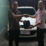 foto-penyerahan-unit-3-sales-marketing-mobil-dealer-nissan-mojokerto-zacky