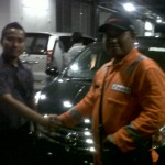 Foto Penyerahan Unit 5 Sales Marketing Mobil Dealer Nissan Karawang Galih