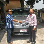 foto-penyerahan-unit-5-sales-marketing-mobil-dealer-nissan-mojokerto-zacky