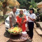 Foto Penyerahan Unit 5 Sales Marketing Mobil Dealer Nissan Purwakarta Cindy