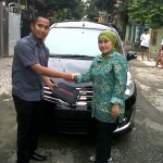 Foto Penyerahan Unit 6 Sales Marketing Mobil Dealer Nissan Karawang Galih