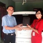 Foto Penyerahan Unit 6 Sales Marketing Mobil Dealer Nissan Purwakarta Cindy