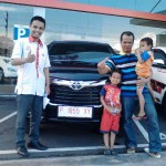 Foto Penyerahan Unit 8 Sales Marketing Mobil Dealer Toyota Jember Hadi Toyota