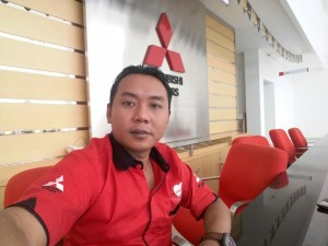 Sales Marketing Mobil Dealer Mitsubishi Surabaya Heri