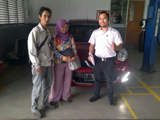 Sales Marketing Mobil Dealer Nissan Karawang Galih