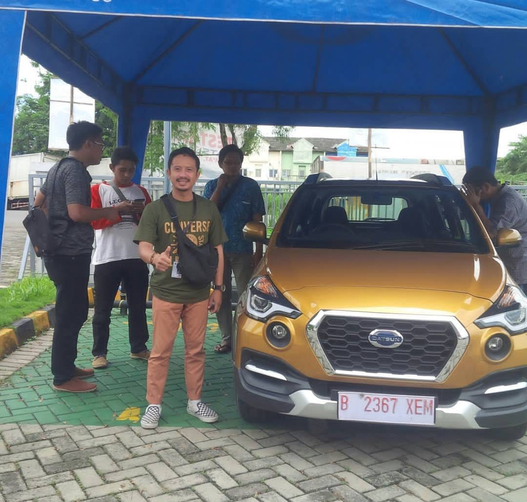Sales Marketing Mobil Nissan Gagah