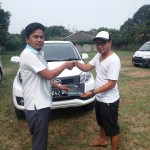 Foto Penyerahan Unit 5 Sales Marketing Mobil Dealer Daihatsu Aris
