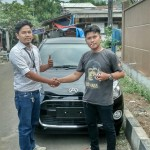 Foto Penyerahan Unit 6 Sales Marketing Mobil Dealer Daihatsu Aris