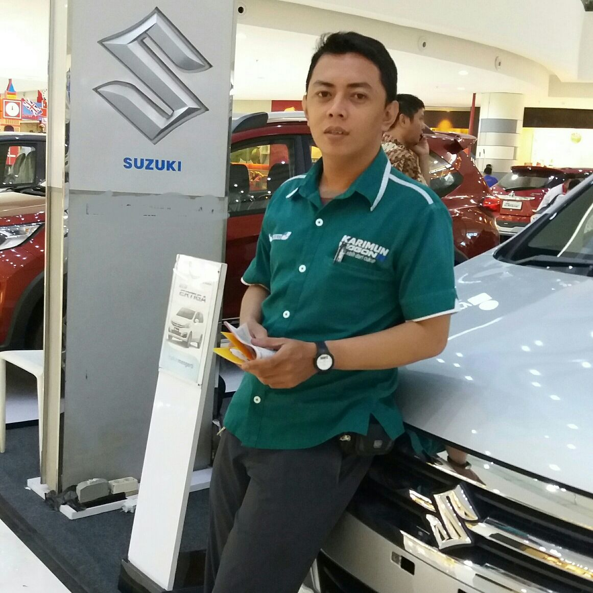 Sales Marketing Mobil Dealer Suzuki Kalimalang Endang