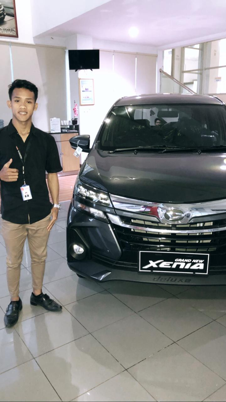 Sales Marketing Mobil Dealer Daihatsu Rey