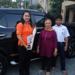 Foto Penyerahan Unit 5 Sales Marketing Mobil Toyota Erna