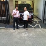 Foto Penyerahan Unit 7 Sales Marketing Mobil Dealer Nissan Ardy
