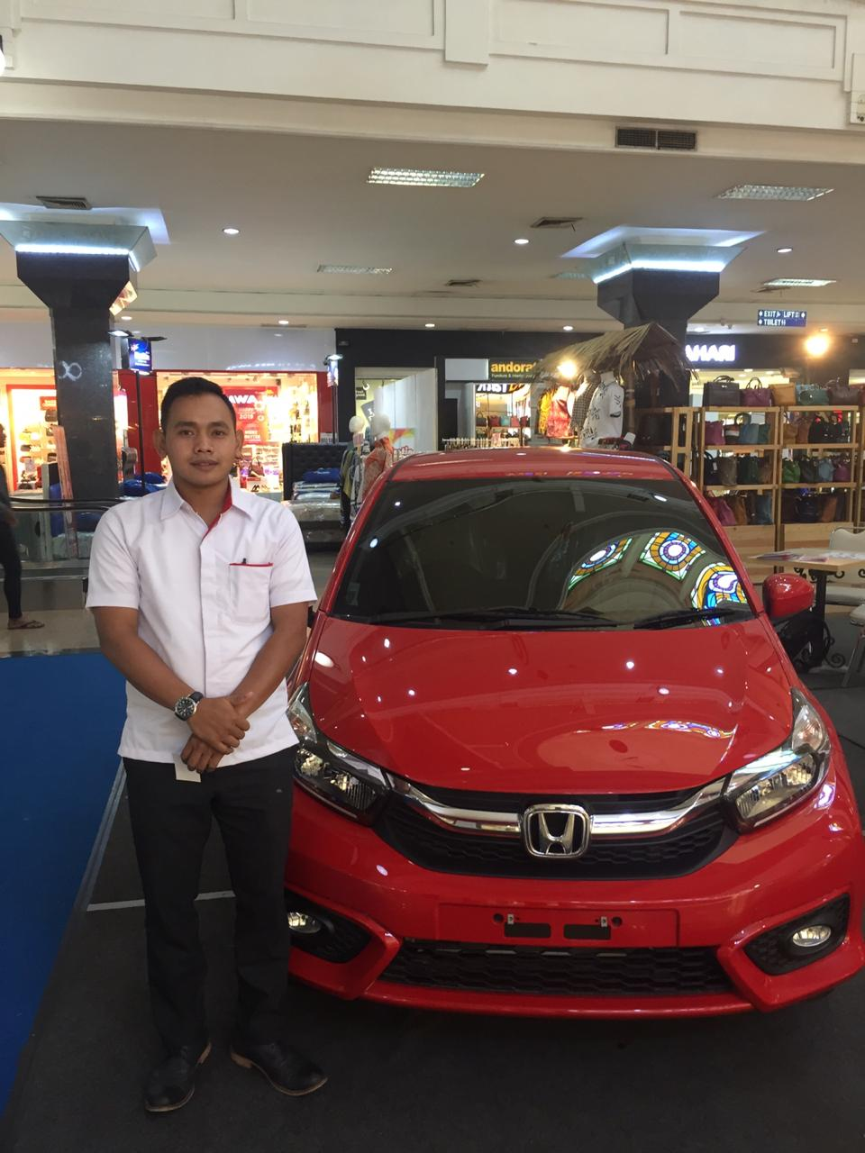 Sales Marketing Mobil Dealer Honda Agus