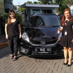 DO 12 Sales Marketing Mobil Dealer Honda Icha