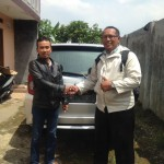 Foto Penyerahan Unit 4 Sales Marketing Mobil Dealer Daihatsu Iman