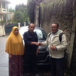 Foto Penyerahan Unit 5 Sales Marketing Mobil Dealer Daihatsu Iman
