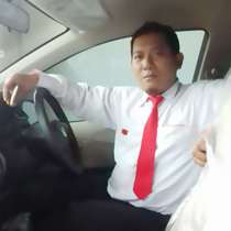Sales Marketing Mobil Dealer Suzuki Kudus Dimas Bustanul