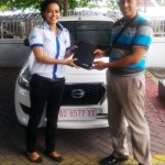 Foto Penyerahan Unit 3 Sales Marketing Mobil Dealer Datsun Solo Ava