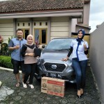 Foto Penyerahan Unit 3 Sales Marketing Mobil Dealer Datsun Tasikmalaya Vera