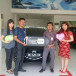 Foto Penyerahan Unit 7 Sales Marketing Mobil Dealer Mazda Medan Chandra Putra