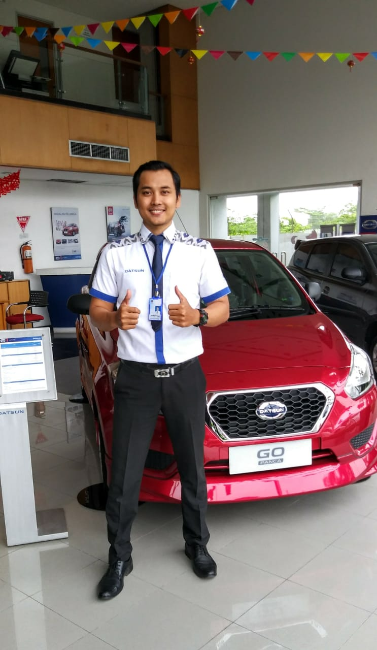 Sales Marketing Mobil Dealer Datsun Erry
