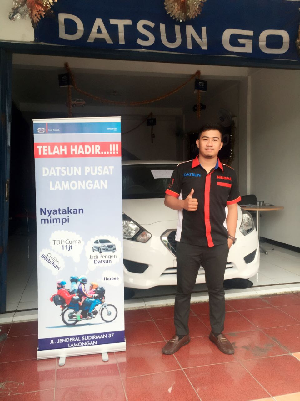 Sales Marketing Mobil Dealer Datsun Surabaya Dio