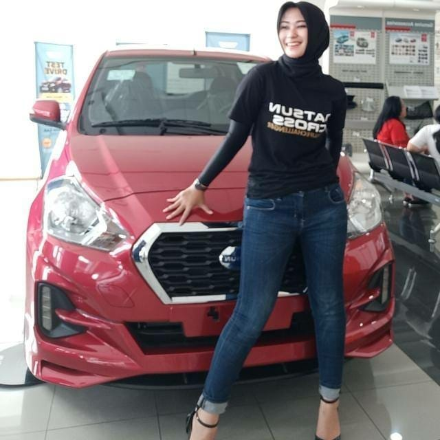 Sales Marketing Mobil Dealer Datsun Vera