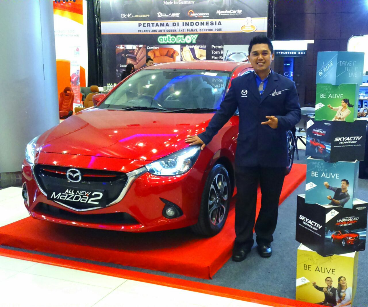 Sales Marketing Mobil Mazda Jember Veny