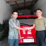 Foto Penyerahan Unit 6 Sales Marketing Mobil Dealer Toyota Jember Hadi Toyota