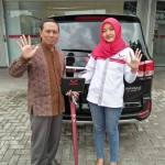 DO 1 Sales Marketing Mobil Dealer Wuling Diah