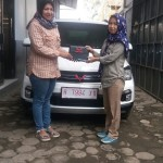 DO 2 Sales Marketing Mobil Dealer Wuling Veni