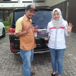 DO 3 Sales Marketing Mobil Dealer Wuling Diah