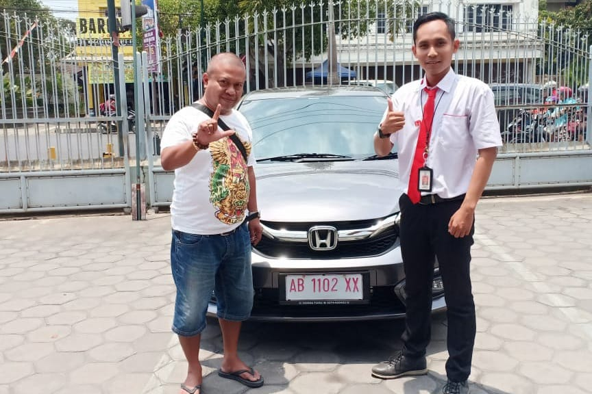 Sales Marketing Mobil Dealer Honda Datu