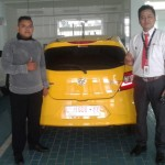 DO 12 Sales Marketing Mobil Dealer Honda Decky