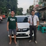 DO 6 Sales Marketing Mobil Dealer Honda Decky