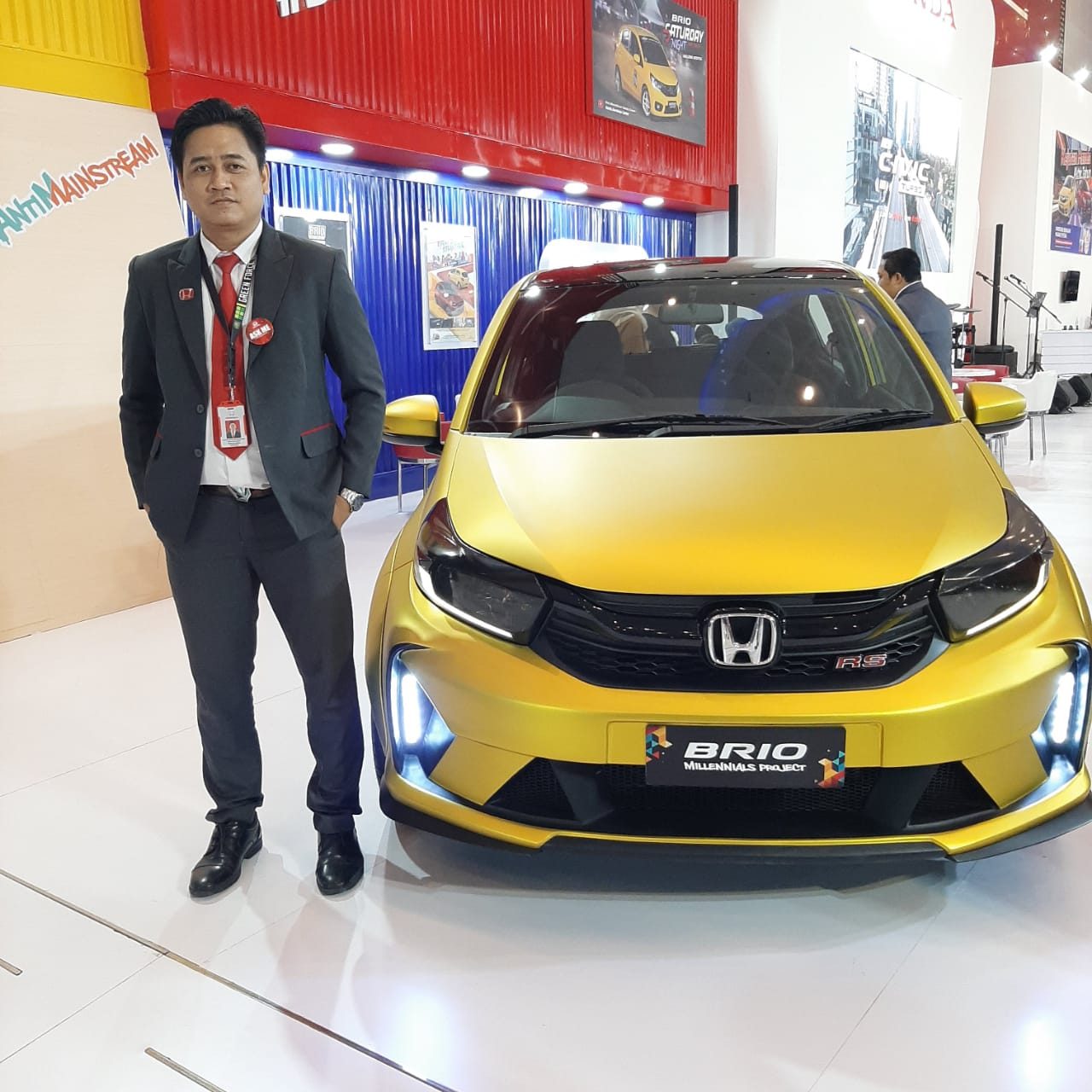 Sales Marketing Mobil Dealer Honda Decky