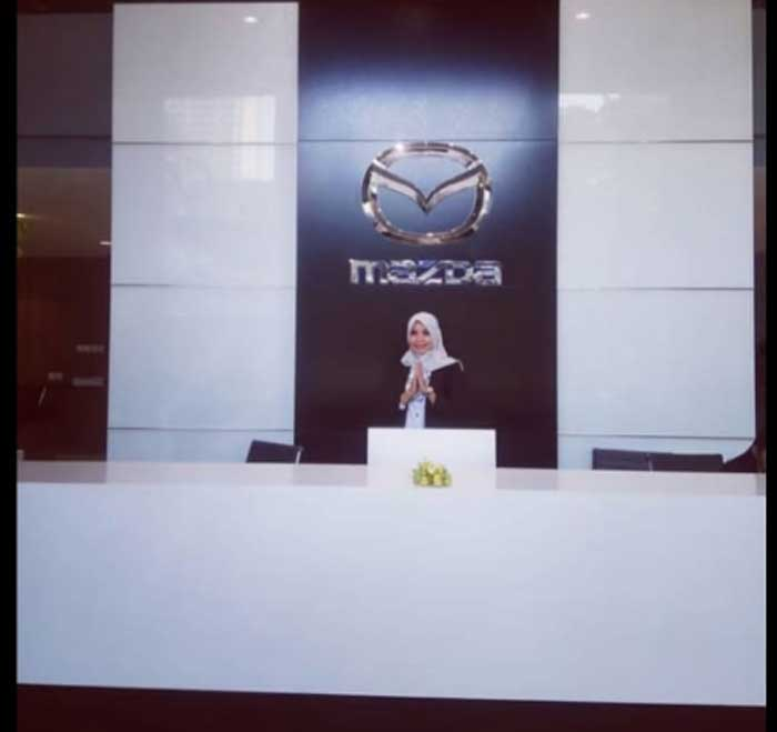 Sales Marketing Mobil Dealer Mazda Dewi